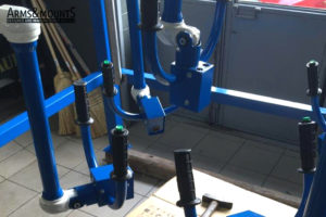 Articulating arm for warehouse